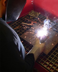 Micro Air XA23M Extreme Air downdraft table is ideal for use in welding labs or vocational training schools.